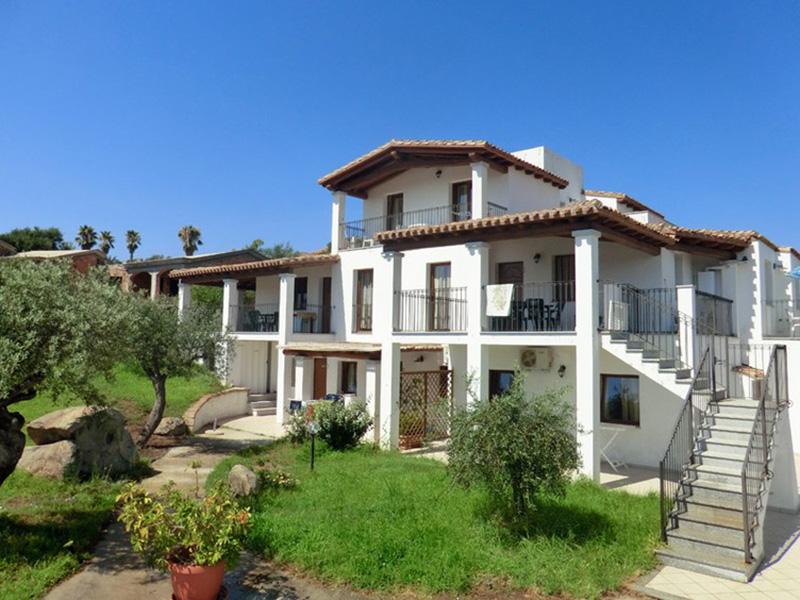 Borgo sa marina appartamenti in affitto a bari sardo for Appartamenti arredati in affitto bari